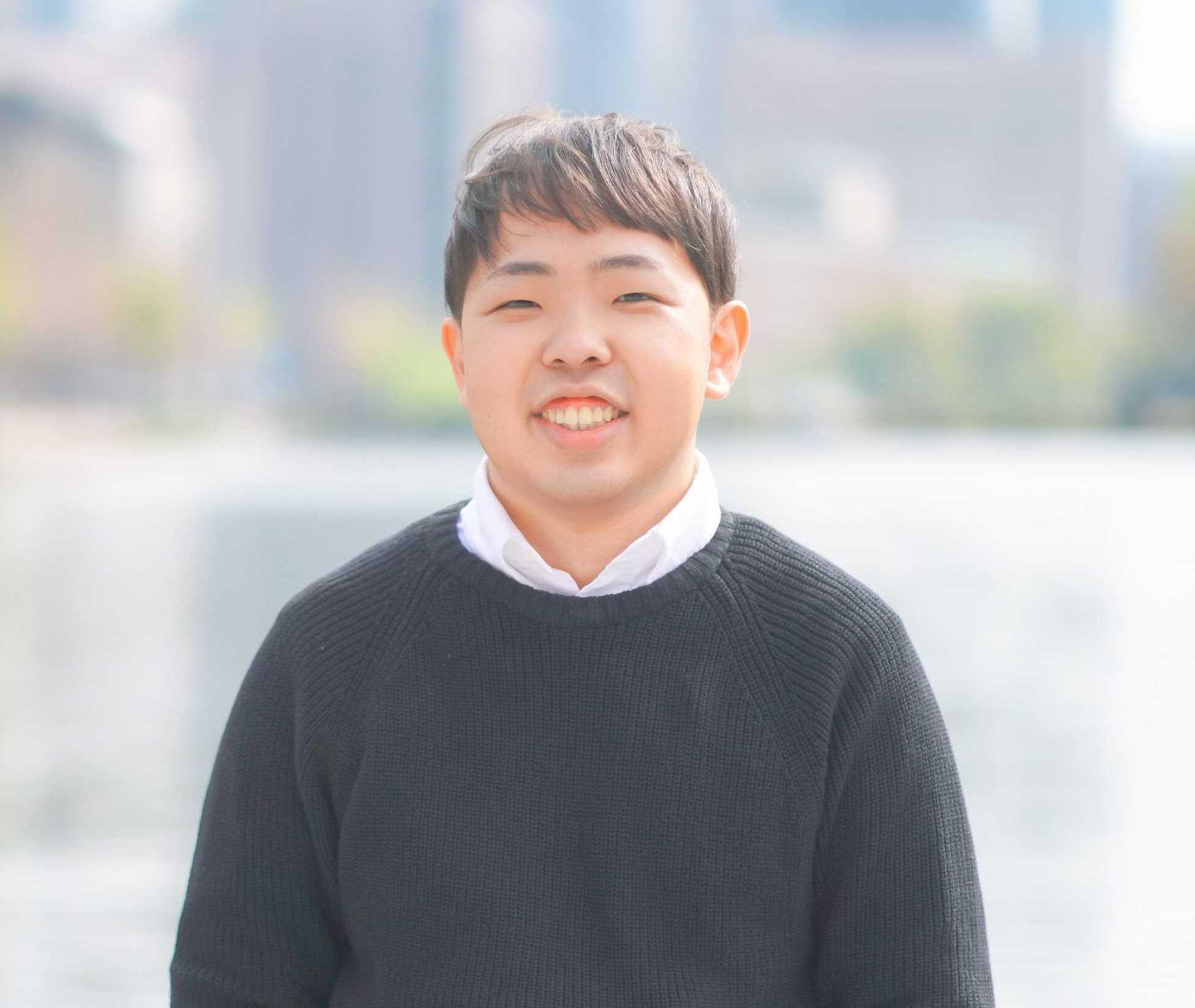 ディレクター/マーケター 岩宮 翼